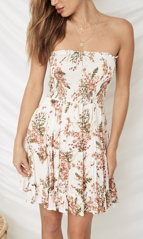 Floral short beautiful dress off shoulder. casual Womens Fashion and Womens Cool Trending Clothes, Dresses. #womensfashion #womensdress #summeroutfit #casualoutfit