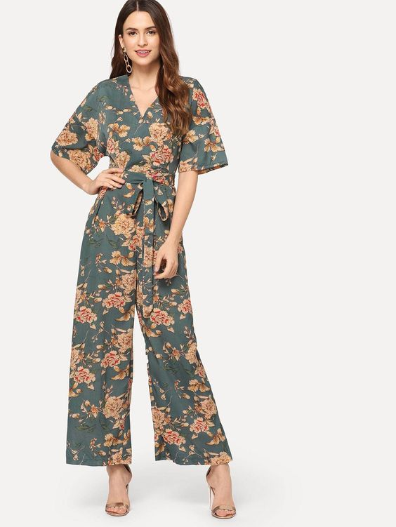 floral jumpsuit and romper. Casual Womens Fashion and Womens Cool Trending Clothes, Dresses. #womensfashion #womensdress #summeroutfit #casualoutfit